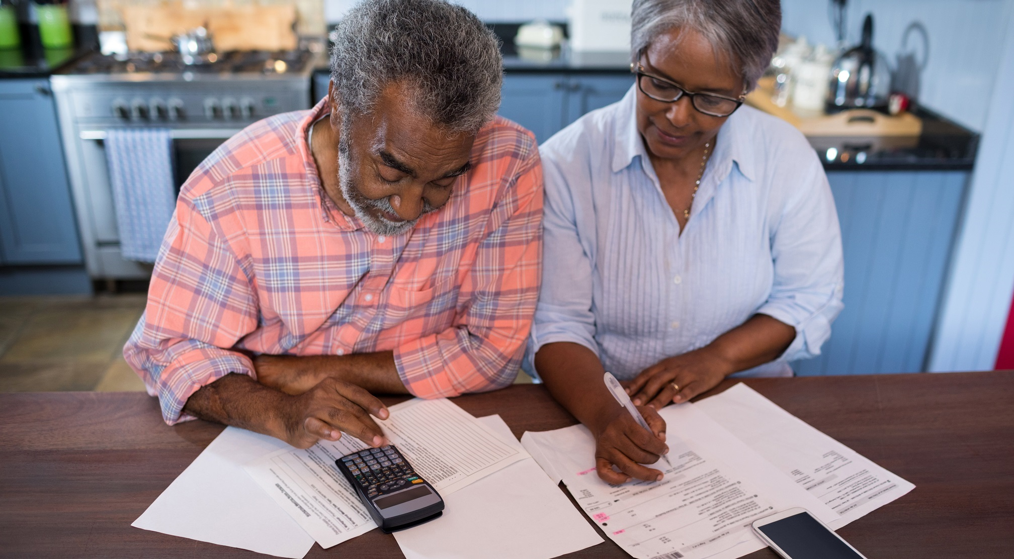 Retiree couple budgeting